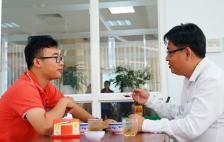 Sinh viên Sài Gòn 'hẹn' ăn trưa cùng hiệu trưởng